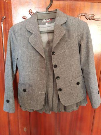 Школьная форма(пиджак и юбка) известного бренда
