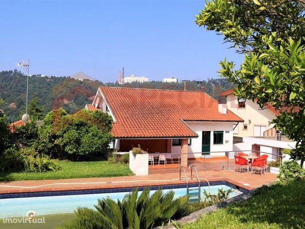 Moradia 4 Frentes Com Piscina Vistas Douro - 10 Minutos D...