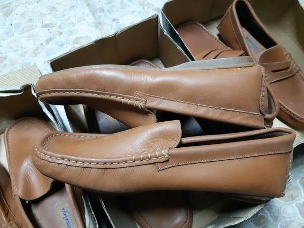 Sapatos em pele novos n° 41