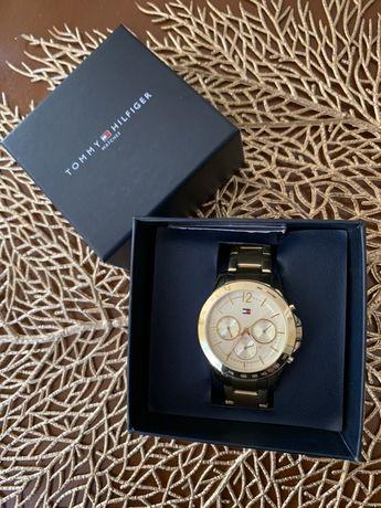 Часы Tommi Hilfiger