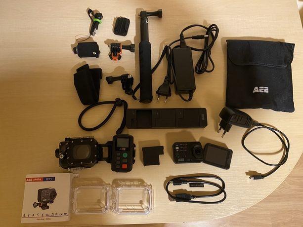 Kamera sportowa Aee S71T z mnóstwem oryginalnych akcesorii