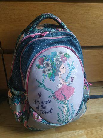 Tornister plecak firmy Street dla dziewczynki jak nowy
