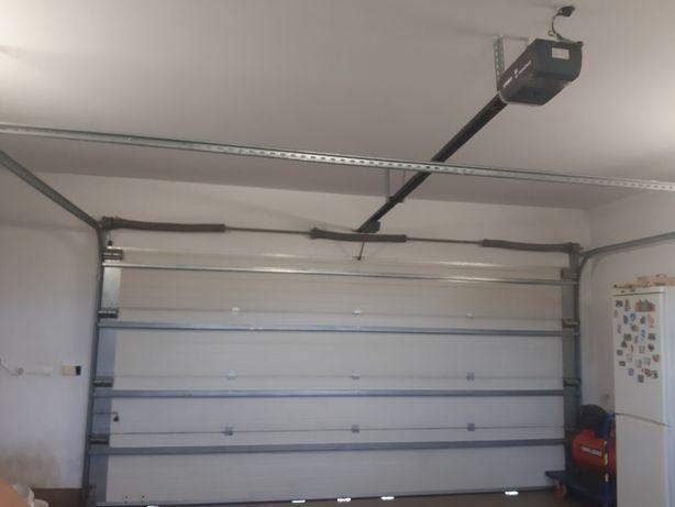 Panele bramy garażowej