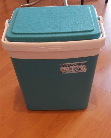 Geleira (Caixa Térmica) de 25 L.
