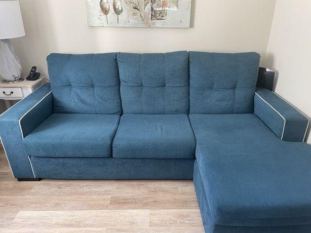 Bonito sofa de 3 lugares azul