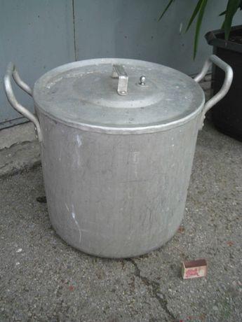 Кастрюля алюминиевая толстостенная, 30 литров.