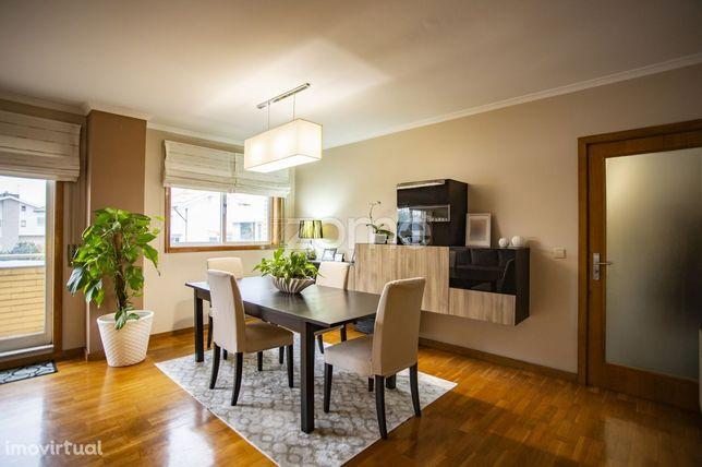 Apartamento T3 Custóias