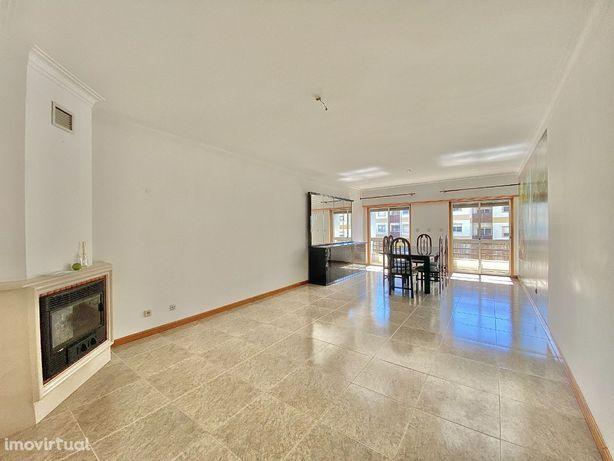 Apartamento T2 Espaçoso e Luminoso, Centro da Amadora, Venteira