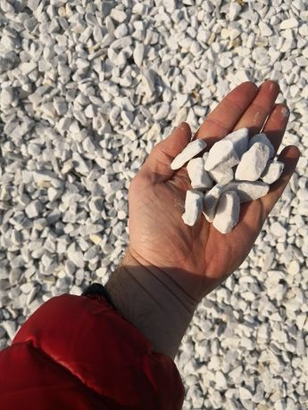 Grys ozdobny Biały Bianco Carrara. Kamień ogrodowy