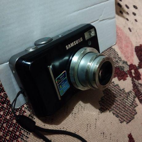 Цифровой фотоаппарат .Samsung S 1060. состояние нового !
