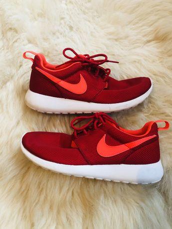 Nike Roshe biało czerwone r. 36