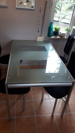 Zestaw stół + 4 krzesła