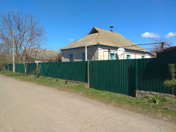 Продається будинок в центрі смт Талалаївка Талалаївського р-ну
