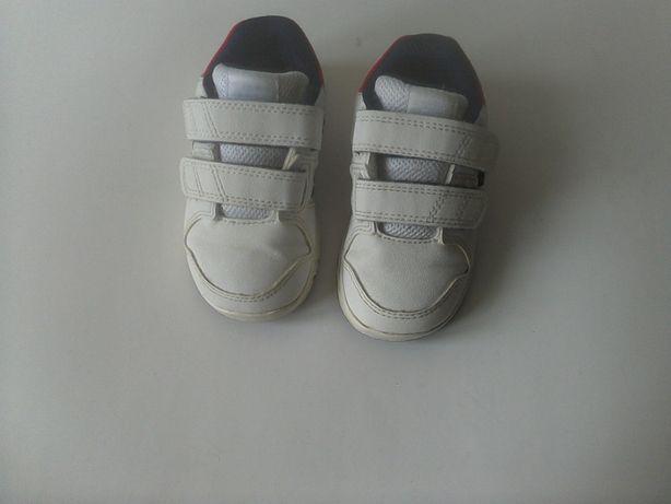 Кроссовки адидас (Adidas) р.21 длина стельки 13,5 см.