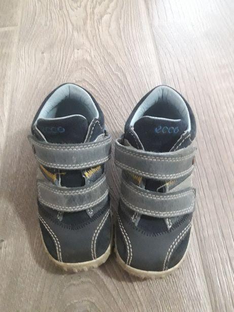 Демисезонные кожанные ботинки Ecco 23р