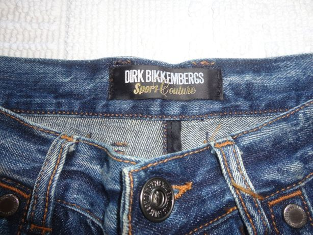 Vendo jeans Dirk Bikkembergs de corte italiano em ótimo estado