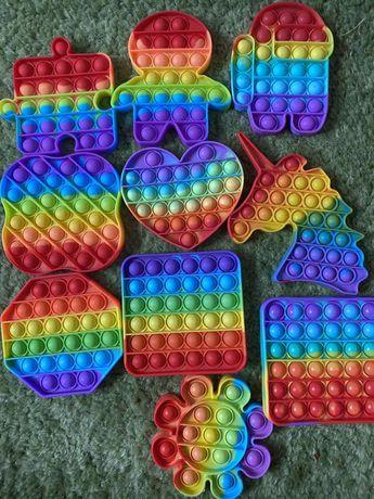 Популярная радужная игрушка Pop it among as разноцветные