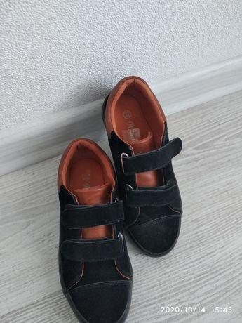 Продам туфли спортивные на липучках 32р.