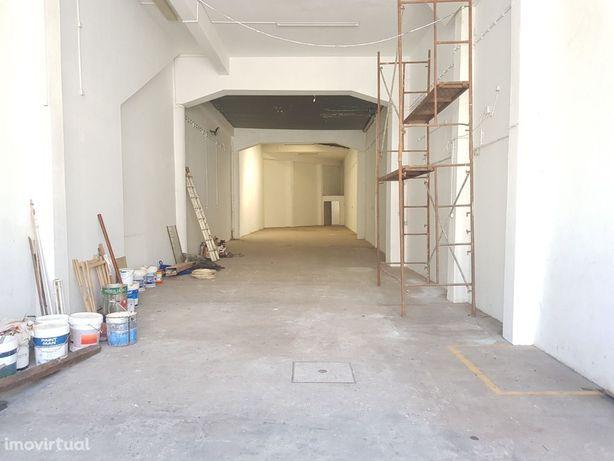 Armazém / garagem Rua General Torres