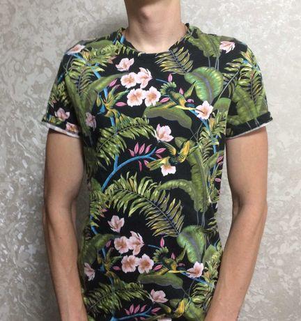 стильная футболка на лето H&M с рисунком