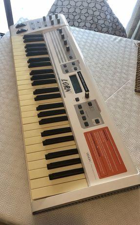 M-Audio Venom sintetizador