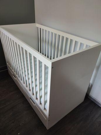Łóżeczko niemowlęce Ikea Stuva 120 x 60, szuflady, materac i barierka