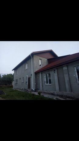 Капитальный двухэтажный дом под косметический ремонт