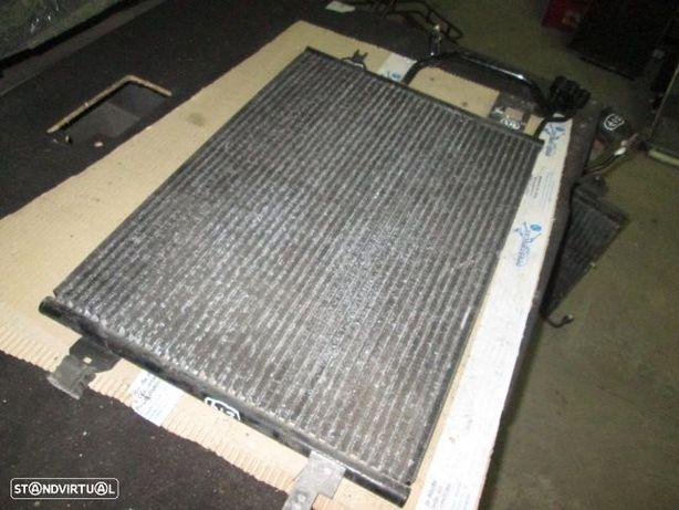 Radiador AC 8D0260401G VW / PASSAT / 2000 / 1,9TDI / AUDI / A6 / 2001 / 2.6TDI V6 / USADO /