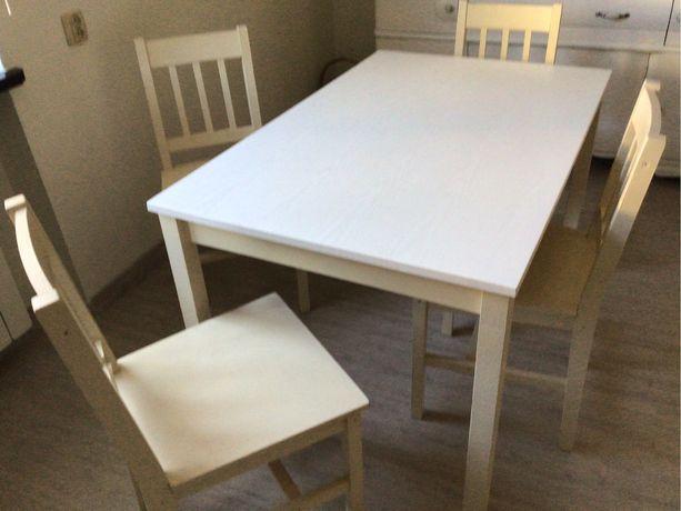 Stół + 4 krzesła