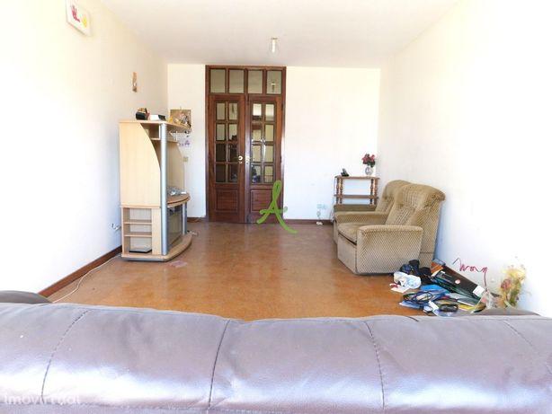 Apartamento T3 em Lagoa