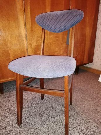 Krzesła tapicerowane z epoki PRL, lata 60/70