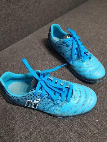 Buty do piłki niebieskie