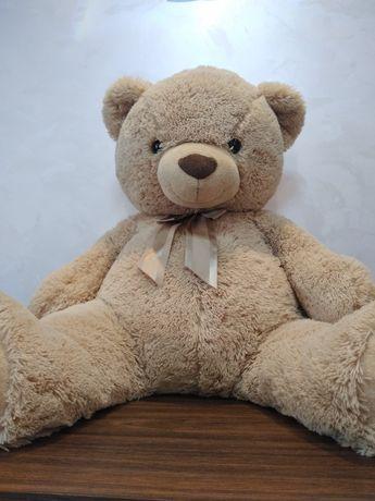 Ведмедик іграшковий