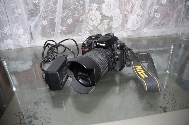 Nikon D80+Объектив Nikkor 18-70+карта памяти.