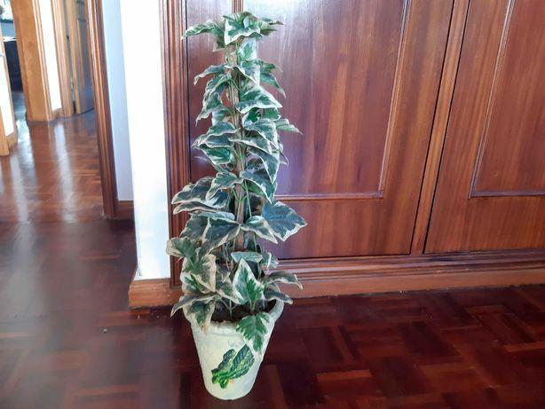Planta artificial em vaso de cerâmica, como nova