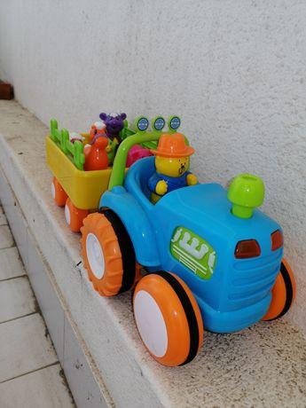 Tractor com música