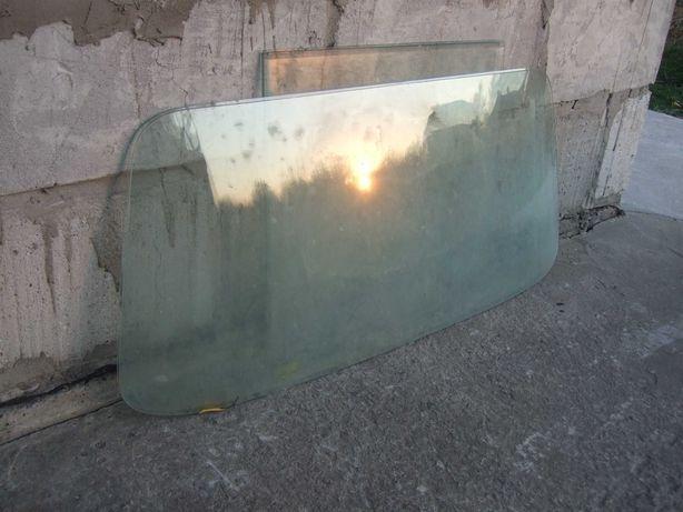 Ветровое стекло от Запорожца (2шт)