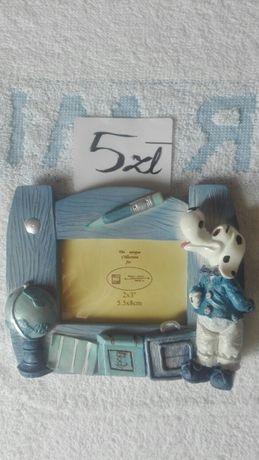 Niebieska ramka na biurko z pieskiem