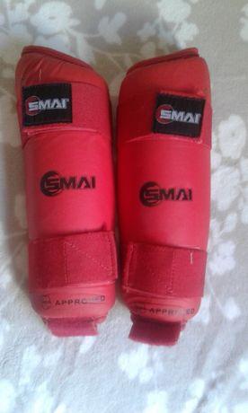 Защита голени SMAI WKF красная