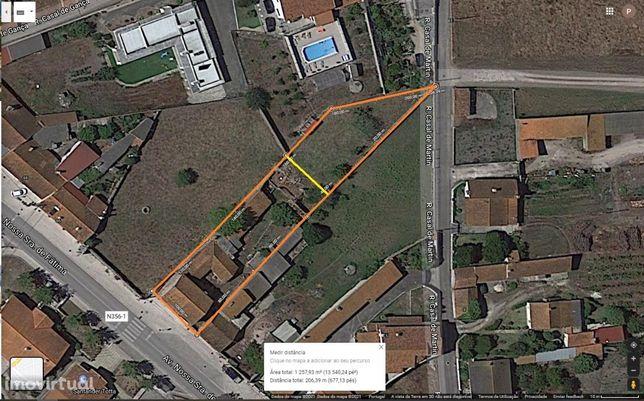 Moradia para reconstruir na Martingança, com terreno de 1250m².