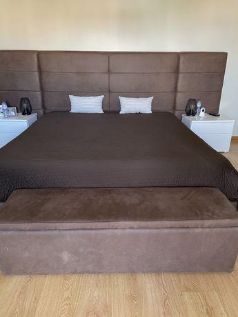 Colcha taupe capa bi-color para camas King Size