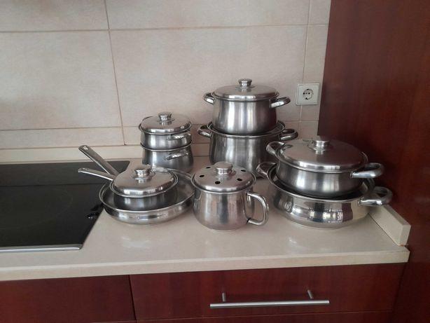 Trem de cozinha completo panelas, tachos e frigideiras em inox
