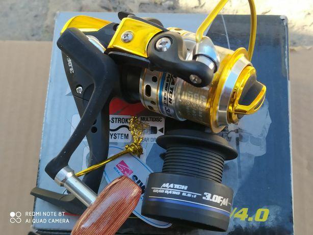 Катушка рыболовная безынерционная для спиннинга SIWEIDA C30M (7+1)