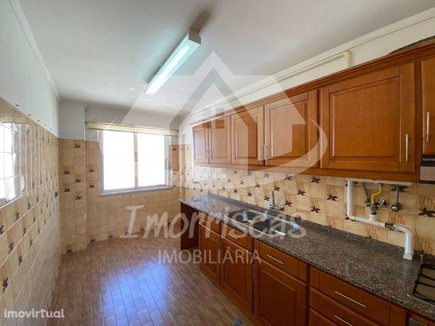 Apartamento T2 em Vialonga.