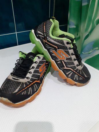 Кросівки кроси взуття