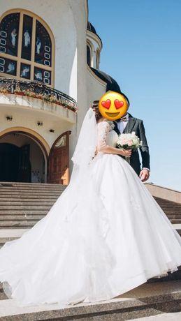 Продам красиву весільну сукню,весільне плаття