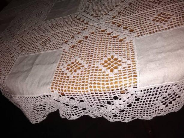 Toalha crochet e tecido, feita à mão. Nova!!! (1,40 x 2,10 mt)
