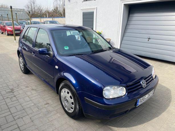 VW Golf IV 1.6 benzyna sprowadzony 2001 opłacony klima 5 drzwi zimówki