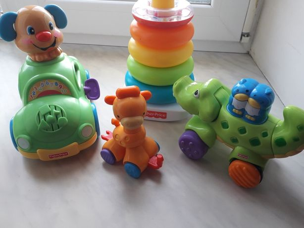 Игрушки Fisher Price (машинка, пирамидка, крокодил)