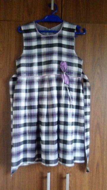 Sukienka elegancka w kratke fioletowa srebrna nitka r 122